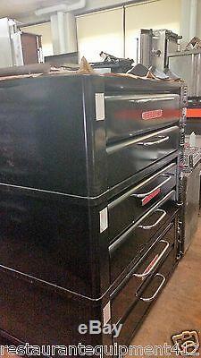 Single Blodgett 961 Deck Pizza Oven- Stackable