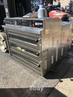 Triple Deck Doyon Natural Gas Pizza Oven PIZ3G