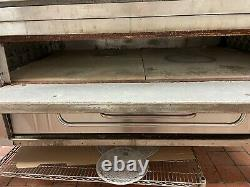 Used bakers pride Y802 Double deck gas pizza oven